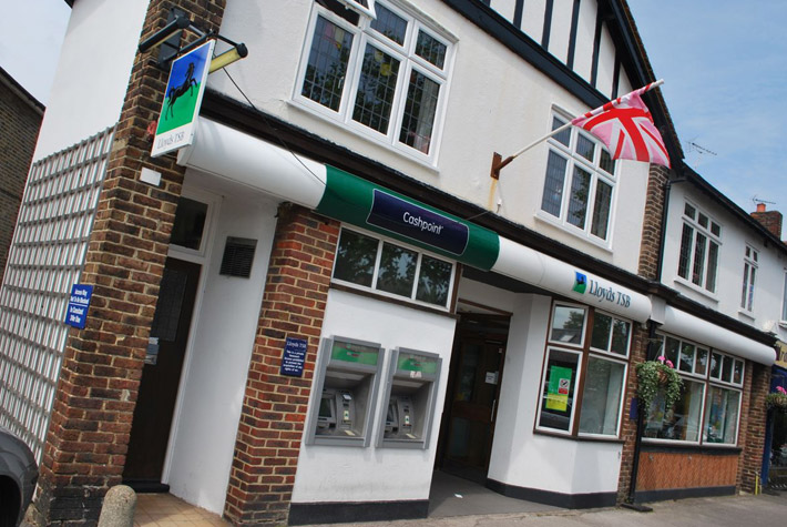 Lloyds TSB Bank, Hampton